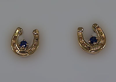 M2017A_S Small Horseshoe Earrings