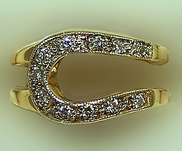 M6888D Horseshoe Fashion Ring