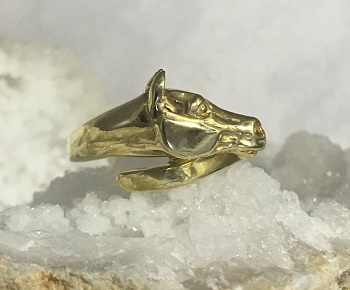 E206 Gold Horse Head Ring