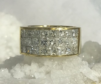 E207 14kt Yellow Gold Diamond Ring