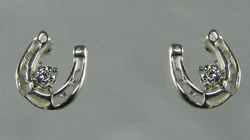 M2017ASSCZ Small Horseshoe Earrings