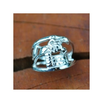 JET3876SS Sterling Silver Hunter Jumper Ring