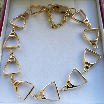 14kt Yellow Gold Stirrup Bracelet