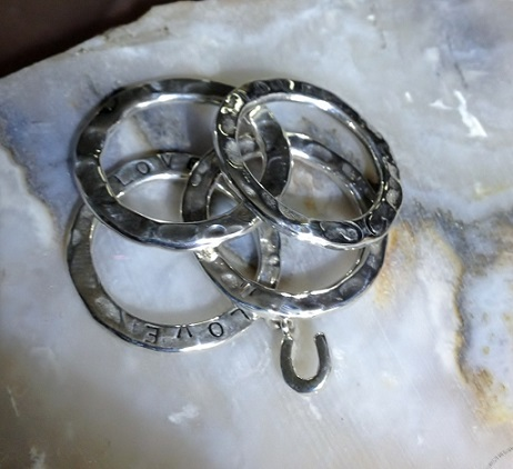 Awesome Stackables Horseshoes
